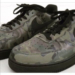 Nike Air Force 1 low dunk woodland camo size 10